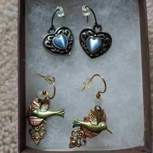 2 pairs of fashion pierced earrings